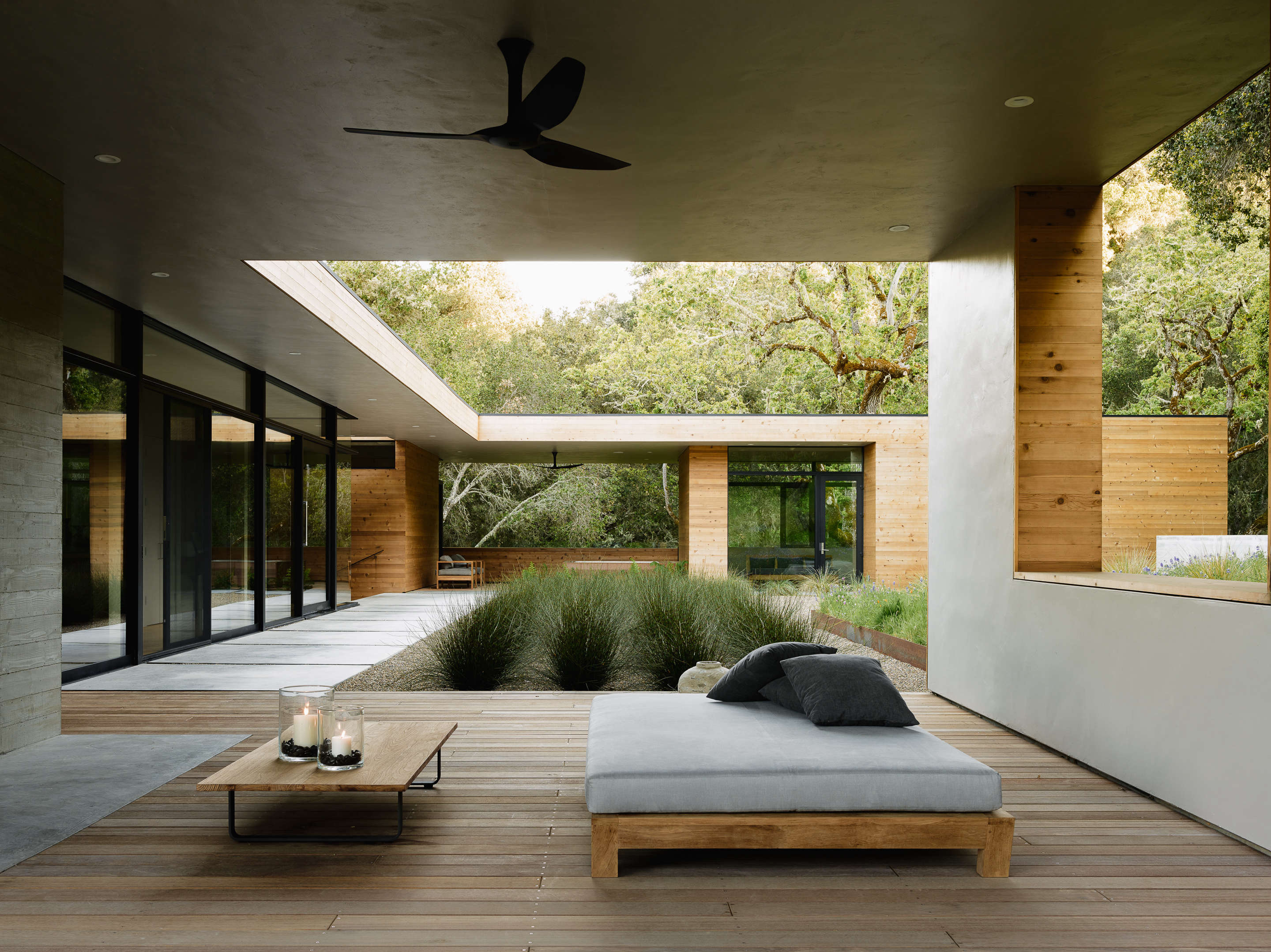 carmel valley outdoor room daybed 9