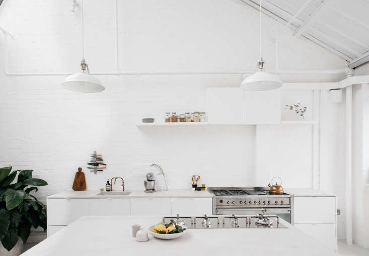 Trained chef Holly Wulff Petersen and food photographer Renée Kemps started Rye London, a kitchen photography studio, in an 800-square-foot loft in East London. For Rye London, it&#8