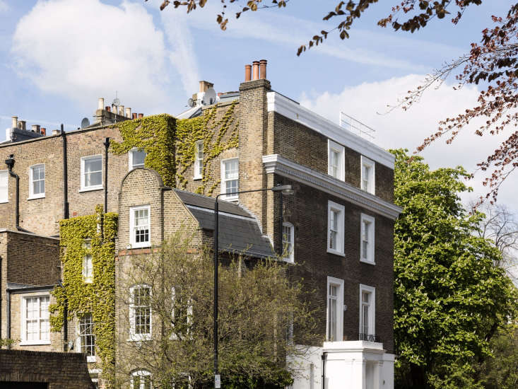 the victorian terraced house in notting hill is 374 square meters (about 4,000  9
