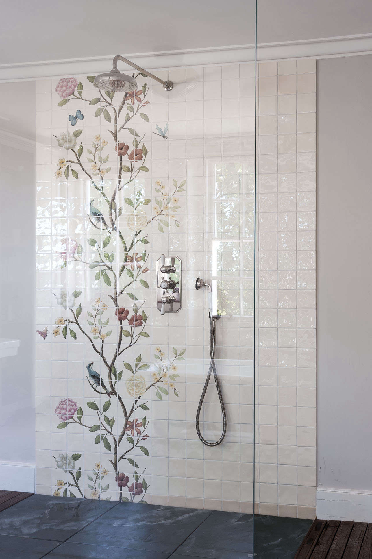 Bathroom of the Week A Romantic London Bath Made from Vintage Parts michelle mckenna bath uk chinoiserie tile floral shower