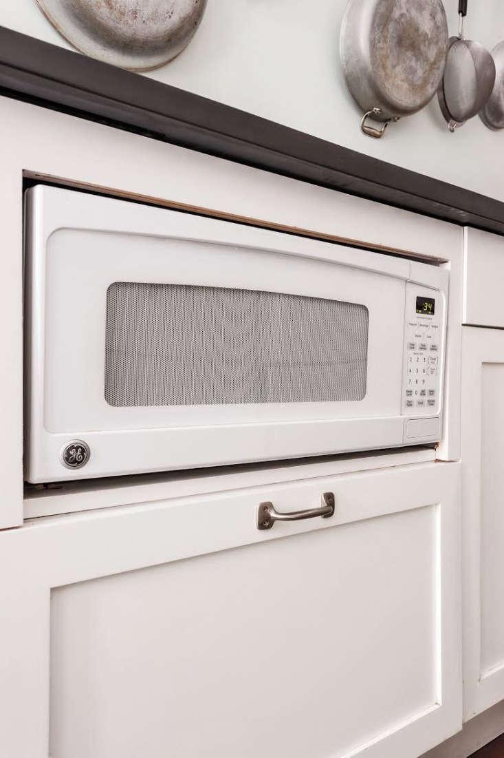 ann desaussure davidson and scott davidson tucked a compact microwaveunder th 15