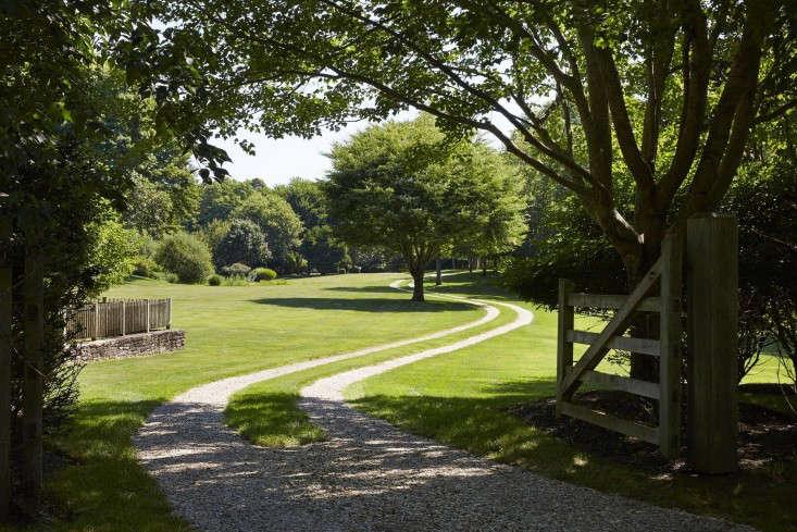 scott mitchell bridgehampton landscape garden driveway gate 13