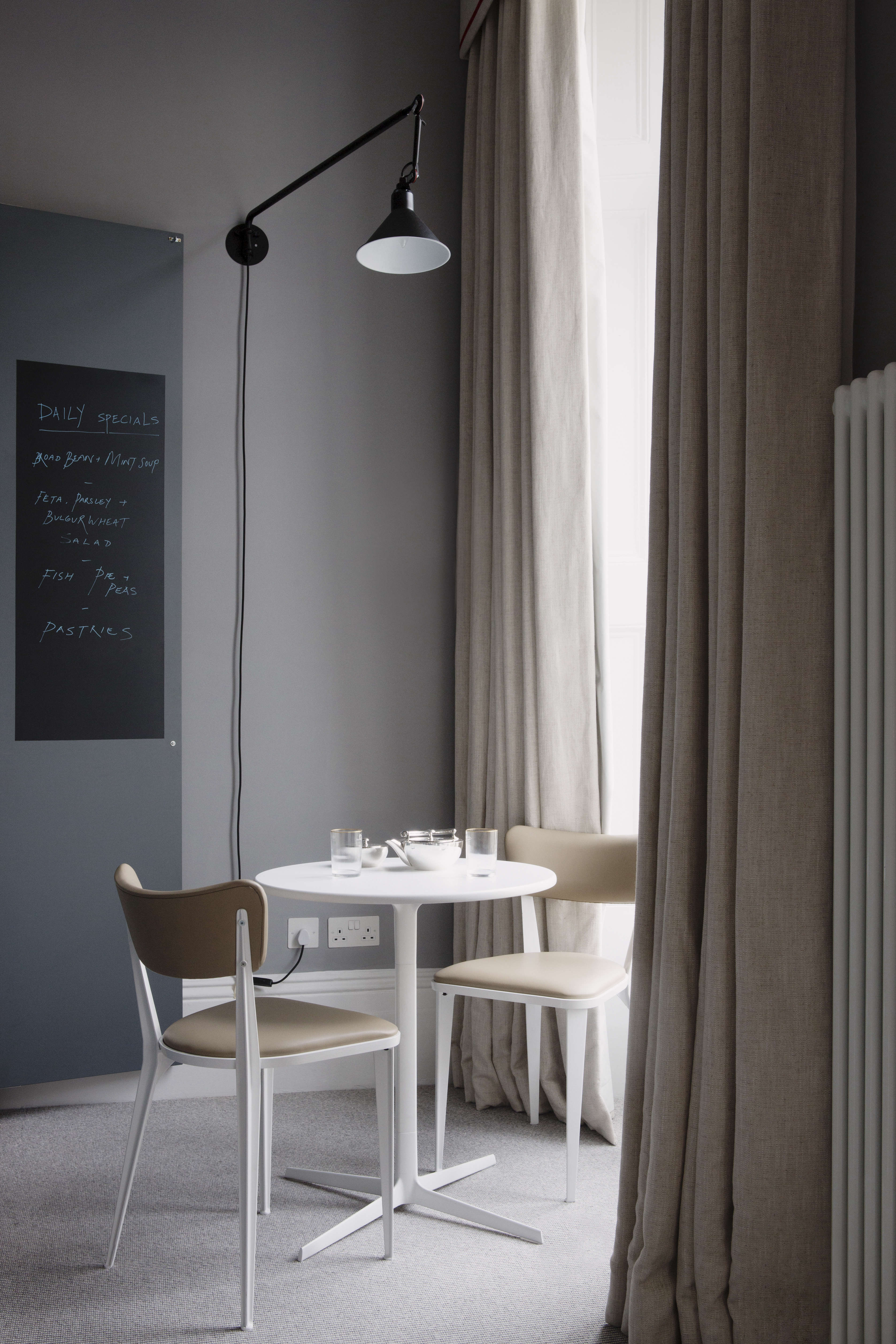 the laslett notting hill master bedroom suite dining 14