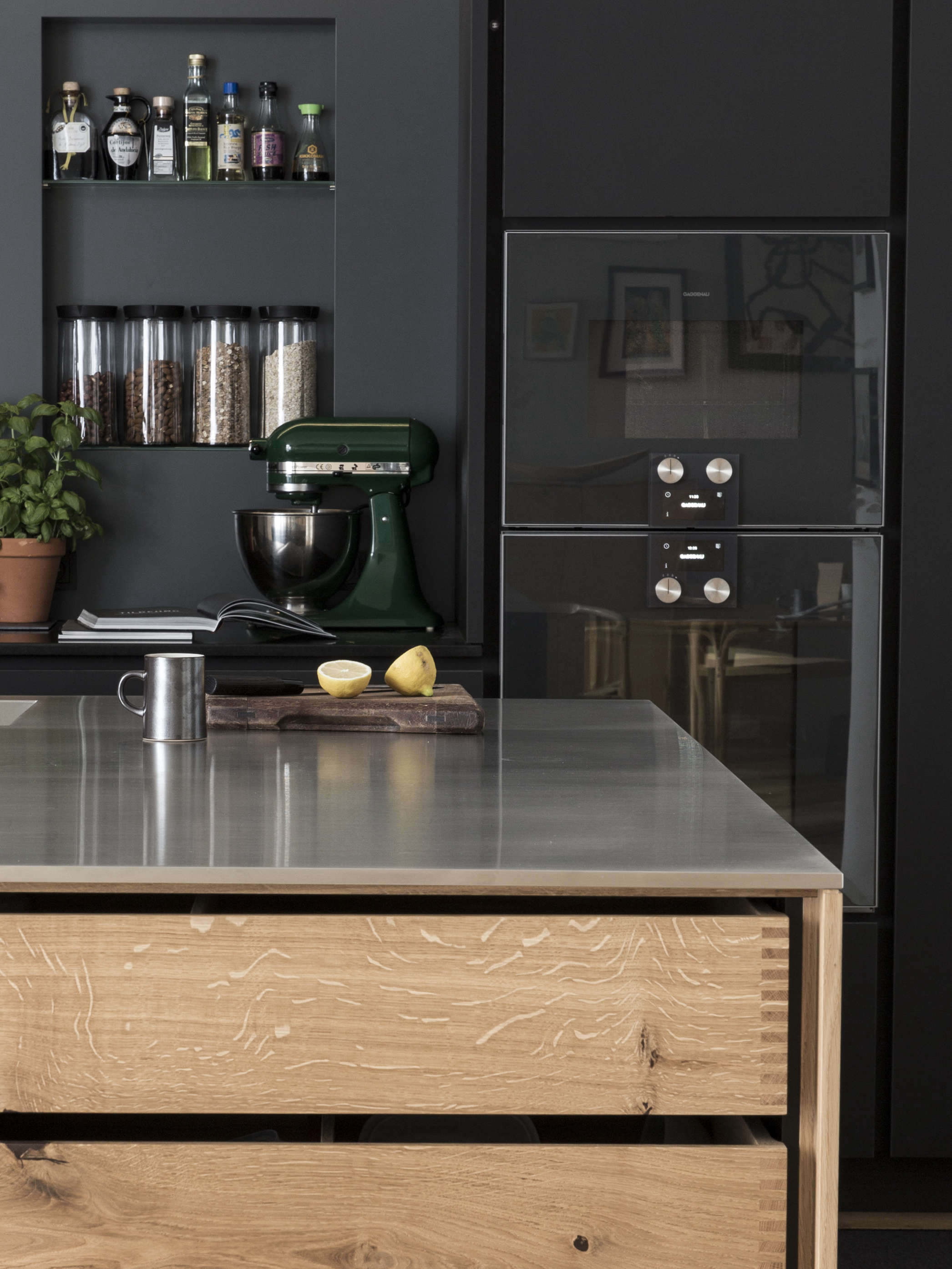 wood-drawers-modern-kitchen-black-cabinets-denmark-garde-Hvalsoe