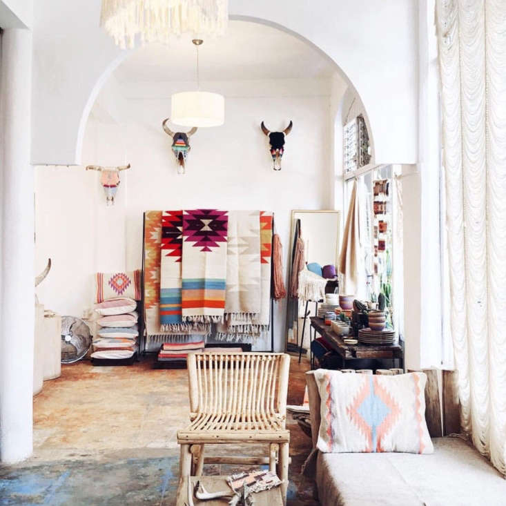 As we head into Mex Chic week, we have our eye on Evoke the Spirit, a new boutique and workshop space in Sayulita, Mexico, opened by ex–New Yorker and artist Brittney Borjeson.