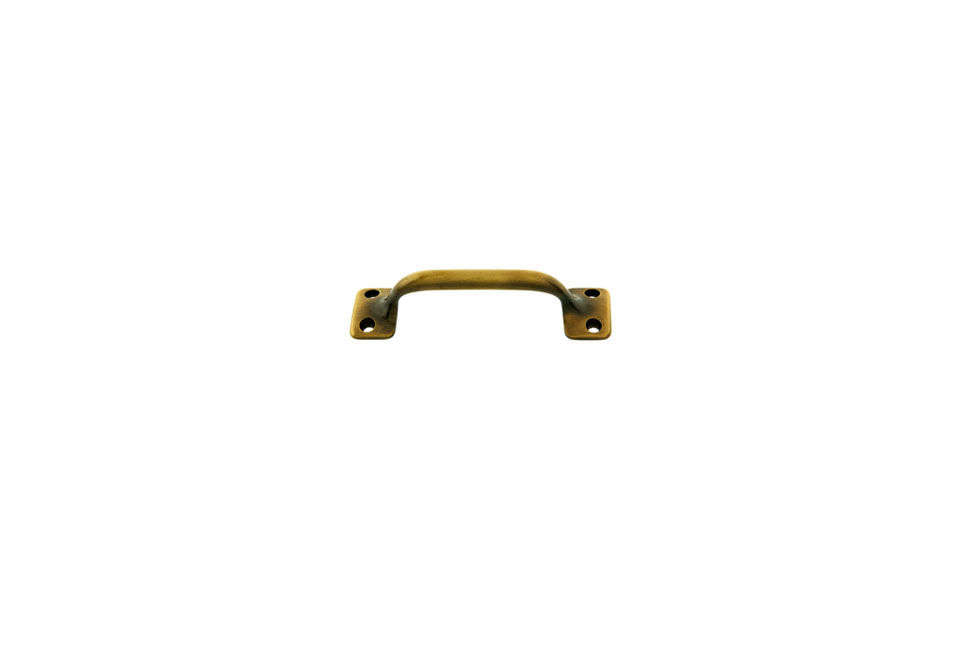 Michelle sourced the brass handles in her kitchen from her &#8