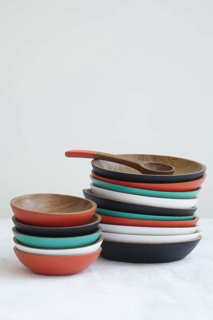 Lacquered WoodDishesfromPajapan are made from sustainable wood.