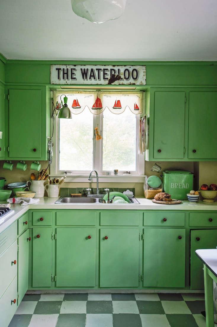 megan wilson&#8\2\17;s kitchen refresh was achieved withfarrow & ball 12