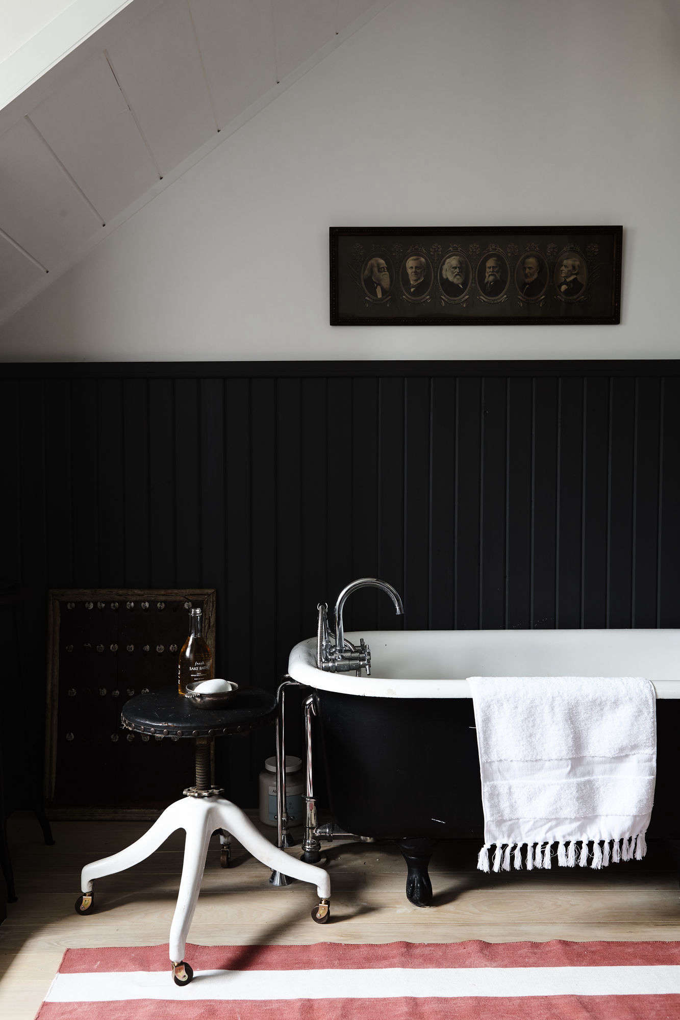 Of Every Stripe 10 Favorite Striped Rugs In The Bath Classic Edition Remodelista