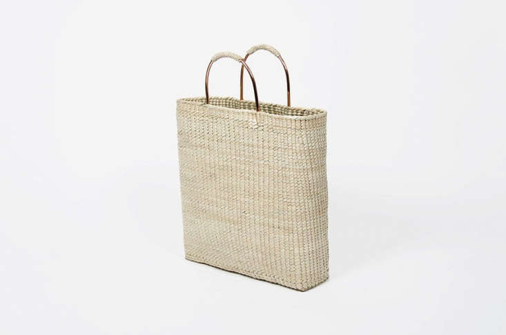 this everyday tote bag is woven out of palm leaves in a women&#8\2\17;s cra 16