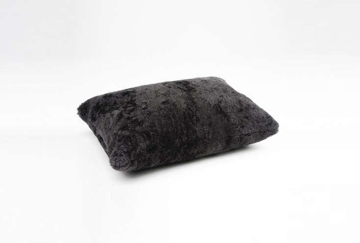 the selection of cushions includes the alice, shown here in asphalt. 22