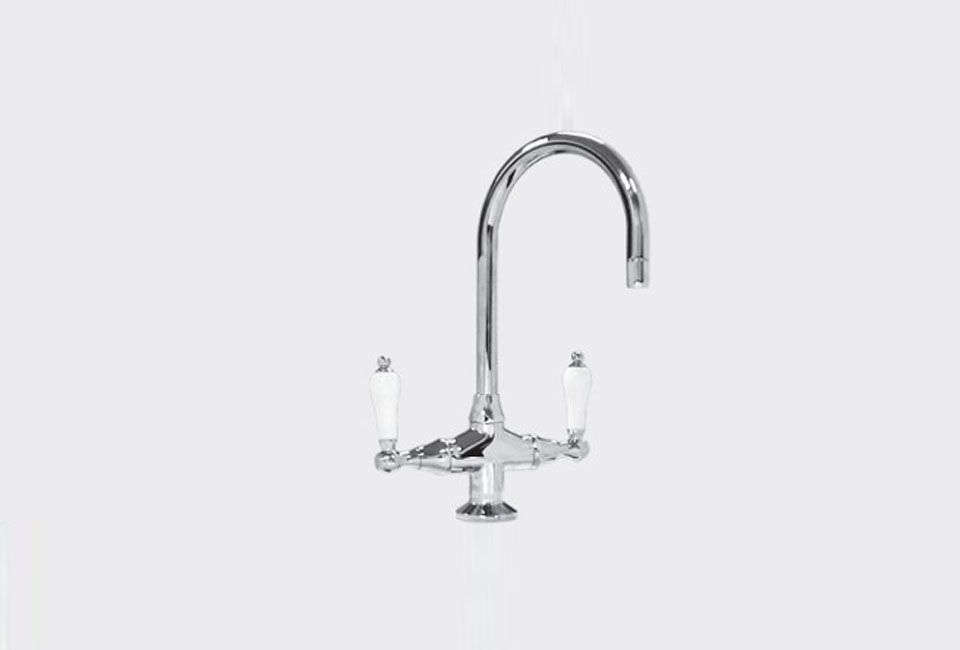 The Sigma Series 400 T-Body Bar Faucet is a similar style to Michelle&#8