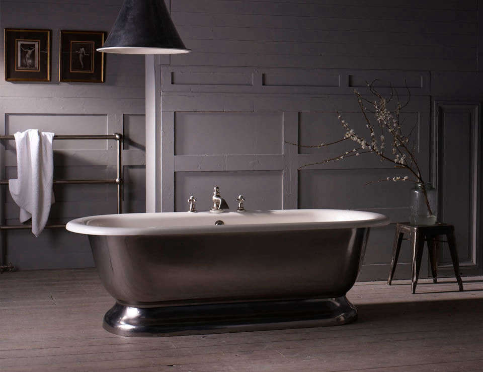 10 Easy Pieces Silver Finish Freestanding Bathtubs TheLonsdale Bath is a reproduction of an early \20th century American double ended bath tub and is available with a polished nickel,brushed nickel, polished brass, aged brass, or chrome finish; £5,\100 to £5,680 (\$6,\2\24 to \$6,93\2) from the Water Monopoly.