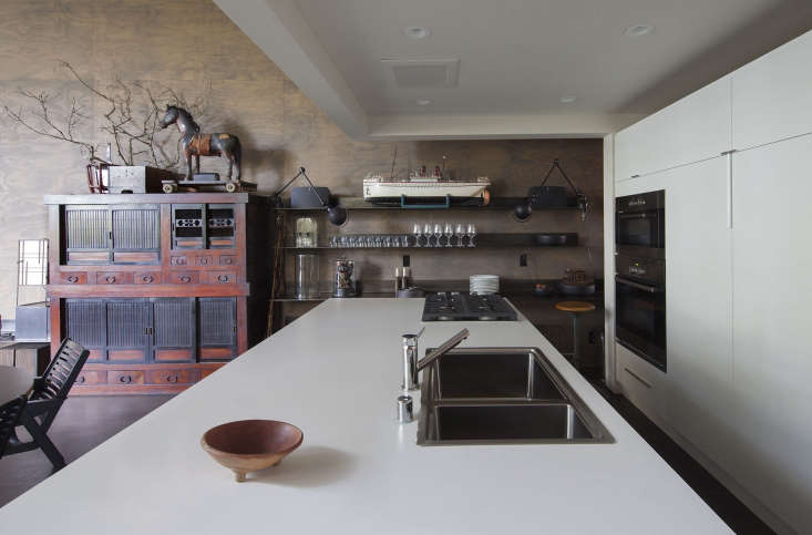 white modern kitchen chinese vintage furniture artwork