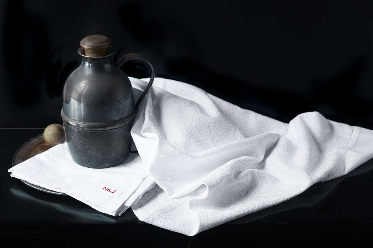 The all-over jacquard pattern ofTowel Style No.