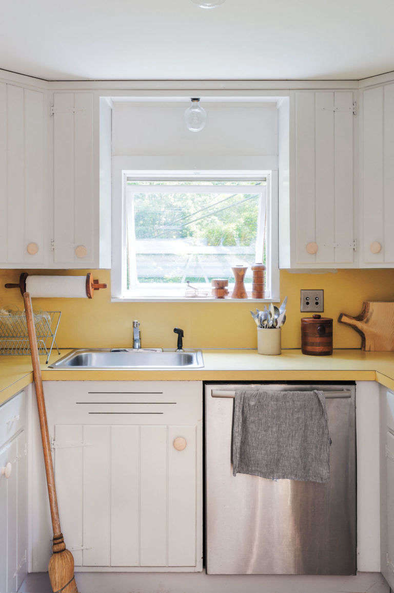 Photograph of Workstead's Hudson Valley kitchen by Matthew Williams; see more in Remodeling src=