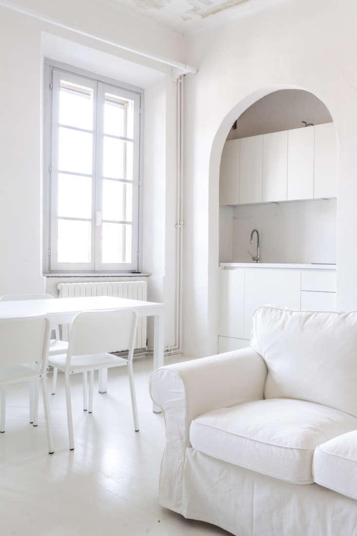all white apartment italy sofa kitchen walls archiplan studio