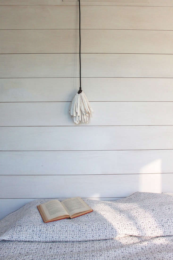 a detail of shiplap in sheila bonnell&#8\2\16;s guest room shows the distin 18