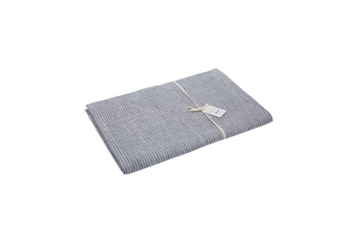 a similar tablecloth to the thin striped table runners on the table in puglia i 22