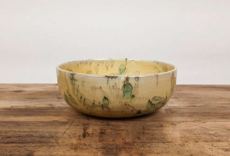 the il buco speckleware deep serving bowl is made in italy for new york brand i 16
