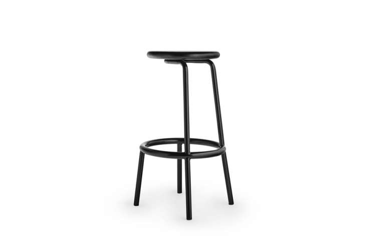 thevolar stool (shown here is the 750 cm model in black) has a small hook on  14
