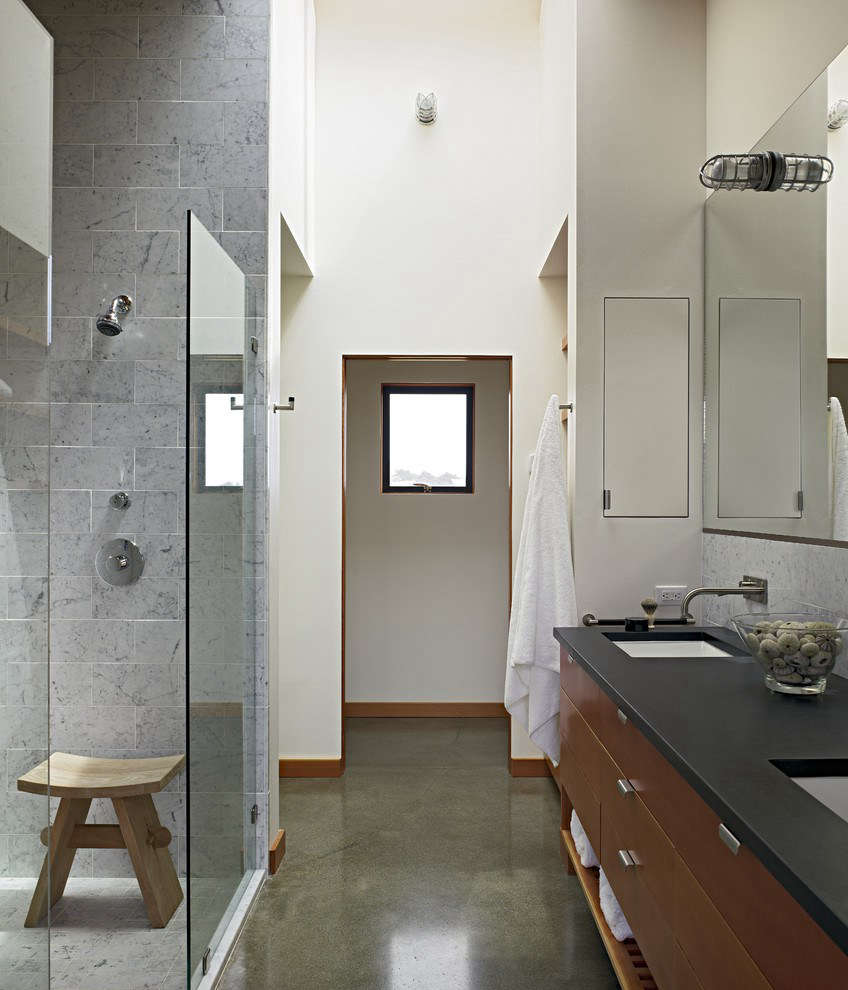 ASan Francisco design by bathroom expert Malcolm Davis. He shares his tips with us inExpert Advice:  Essential Tips for Designing the Bathroom.