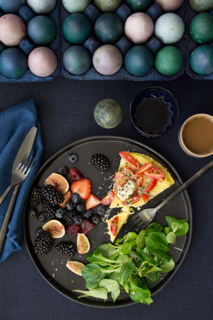 The Fashion Chef in Brooklyn developed the menu: a tomato and chive frittata, fruit salad of berries, figs, and blood oranges with lemon juice and honey, and a salad of mâche rosettes.