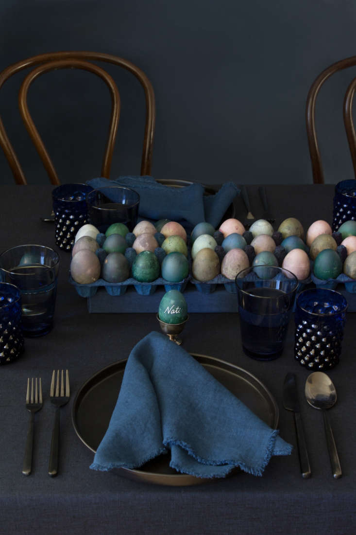 David and team displayed their eggs—60 in all—in blue-dyed cartons as a runner down the center of the table. Use standard egg cartons with the tops removed, or sourcea three-deep tray like the one shown here from Egg Cartons.