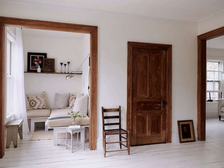 Throughout the space, Anthony added warmth using reclaimed barn wood (&#8