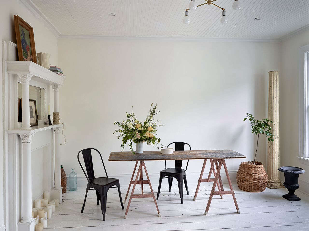 Small-Space DIY: 7 Sawhorse Dining Tables for Impromptu Gatherings - Remodelista