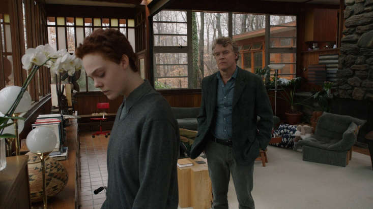tate donovan plays ray&#8\2\17;s architect builder father. &#8\2\20;the 14