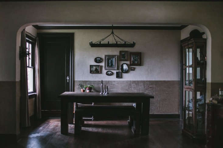flores&#8\2\17; dining room, with plaster inspired by a horror film and an  9