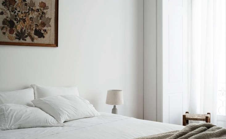 a quiet bedroom. 14