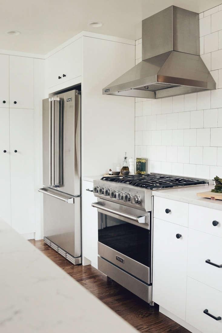 white kitchen viking range stainless hood seattle