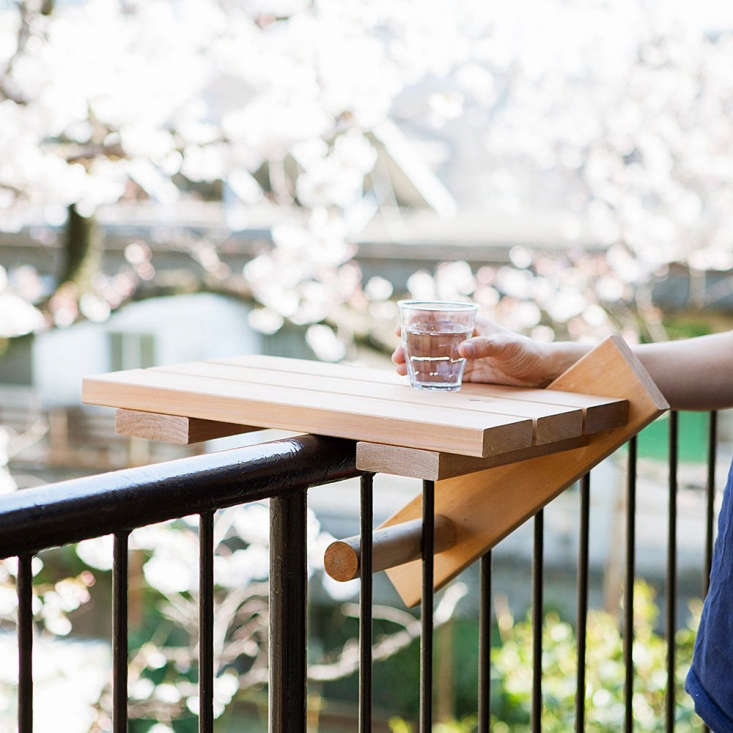 our\10 easy pieces: balcony tables for railingstransform even the tiniest b 13