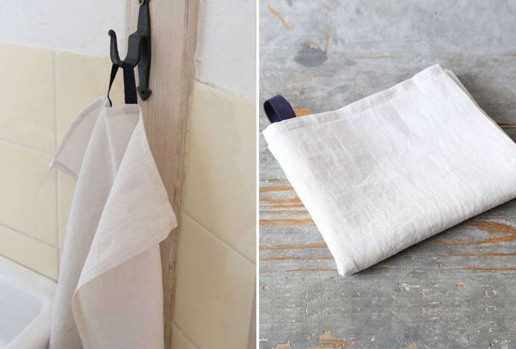 Envelope An Online Superstore for Japanese Goods The Lisette Linen Towel is a simple tea towel with a contrast loop. It&#8\2\17;s available in Off White (shown), Flax, Gray, Olive, and Pink; \1,836 JPY (\$\16) each.