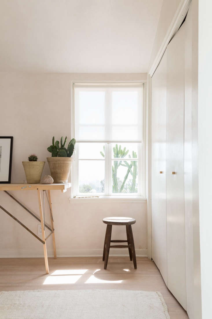 10 Things Nobody Tells You About Plaster Photograph by Lauren Moore from At Home with an LA Costume Designer, Summer Remodel Edition.