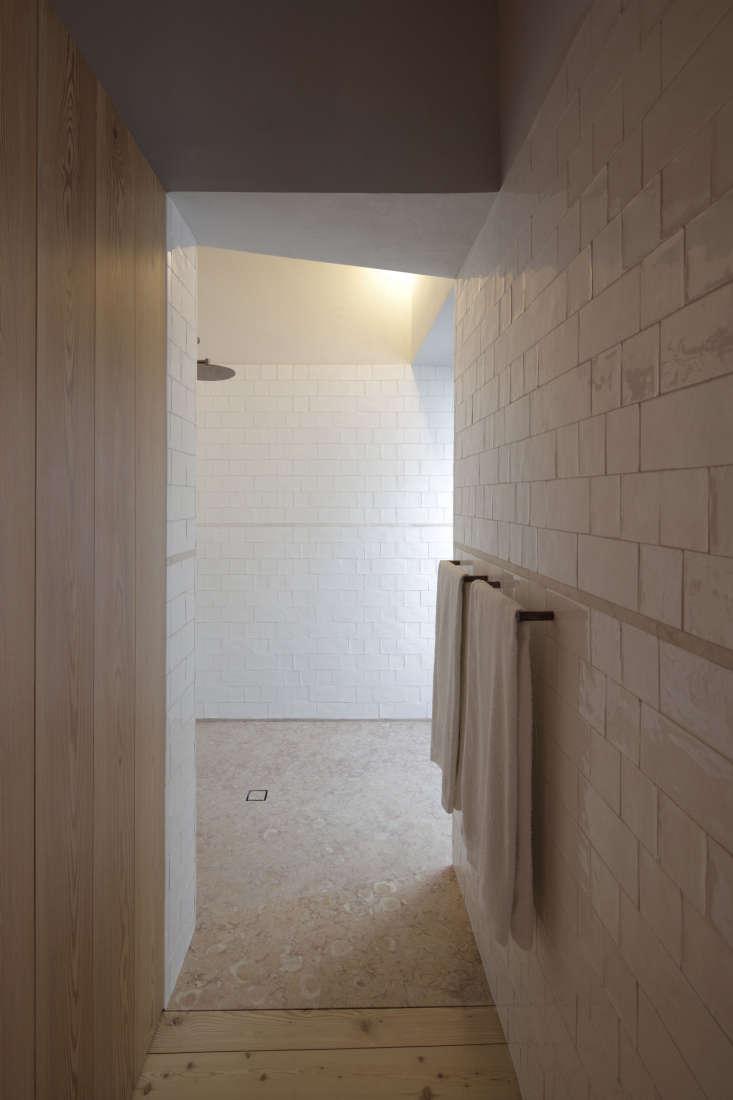hallway bath spa santa clara hotel portugal
