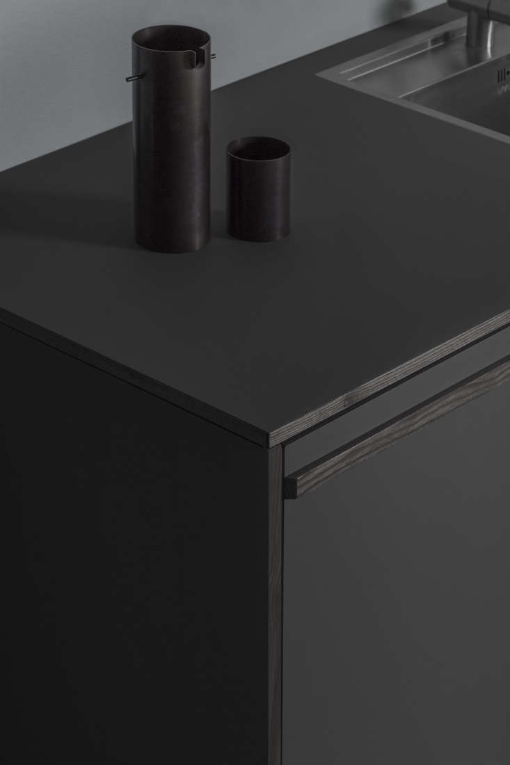 the fronts are composed of 3/4 inch mdf with veneered ash on the back and lam 10