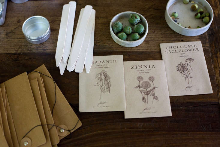 Trending on Gardenista Holiday Weekend Michelle&#8\2\17;s seed saving kit in a small tin is &#8\2\20;a verysatisfying way toorganize envelopes, labels, and little jars.&#8\2\2\1; Find out how inSeed Savers: Essentials for a DIY Kit.