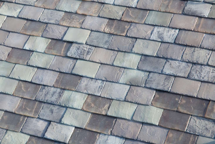 tesla&#8\2\17;s latest solar roof is disguised as charming slate tiles; see 15
