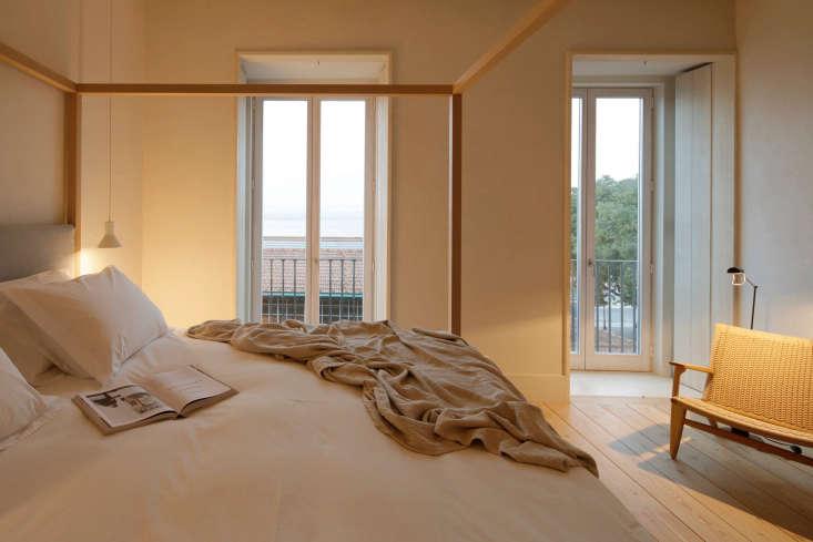 white hotel room santa clara portugal