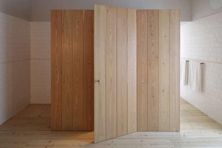 wood room closet bath santa clara hotel portugal