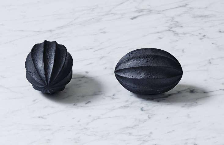 the citrus squeezer (3\15 sek / \$39 usd each) is handmade in sweden by designe 9