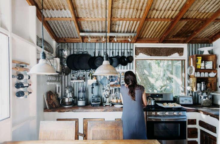 Ana Castillo entered her Casa de Castillo Kitchen in Kealakekua, Hawaii, which was chosen by both Remodelista editor Julie Carlson and judge Sam Hamilton, who said: &#8