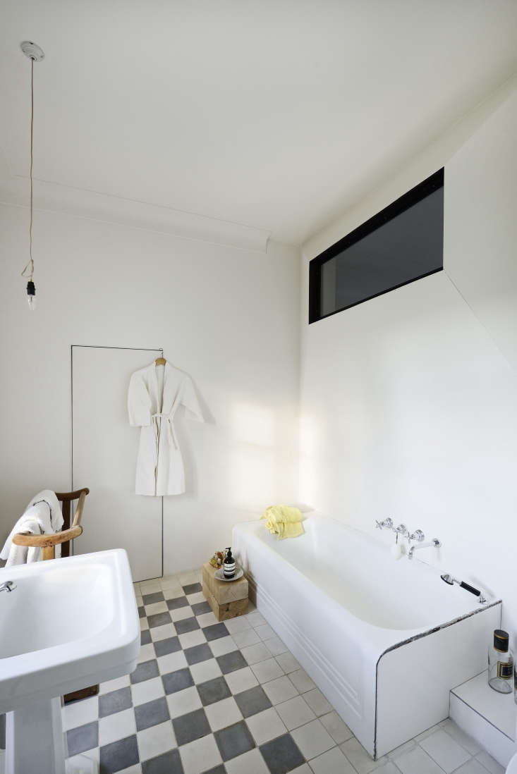remnants of the \1950s renovation were preserved, such as this bathroom&#8\ 19