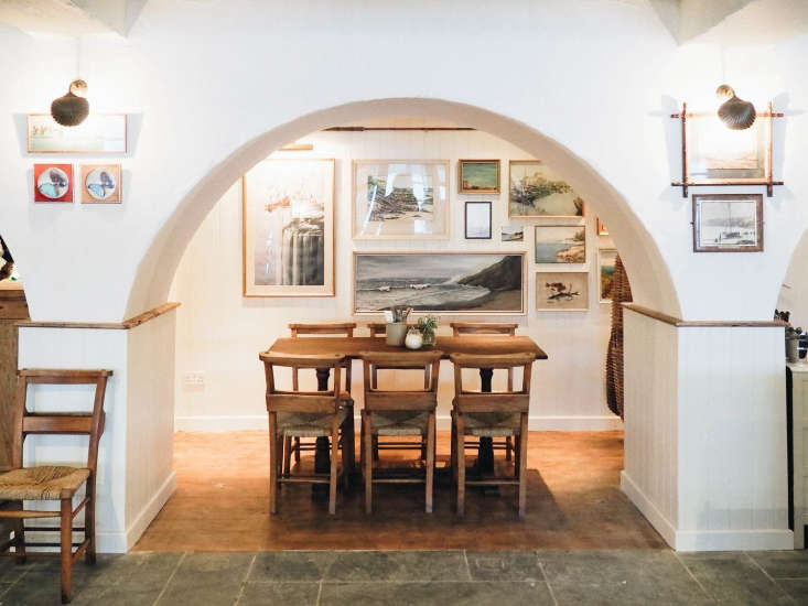 The Ferry Boat Inn 15 Ideas to Steal from a Seaside Pub in Cornwall For a new take on plaster, think thin, not layered. To restore the original look to the plaster archways and walls, the team added a &#8\2\20;skim coat&#8\2\2\1; using a traditional product called One Coat. &#8\2\20;It&#8\2\17;s common in English country homes and we don&#8\2\17;t have it in the States,&#8\2\2\1; says Kate. &#8\2\20;I was trying to work out how I could take the massive bags back in my suitcase.&#8\2\2\1;