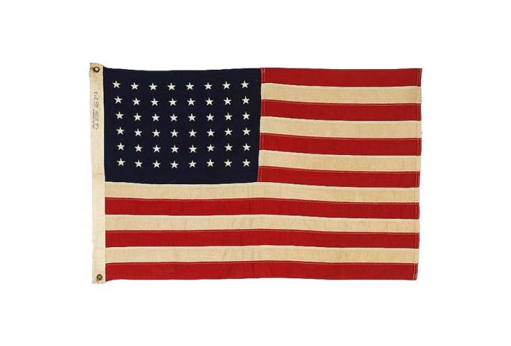 A48-Embroidered Star Flag dating from 45 to &#8