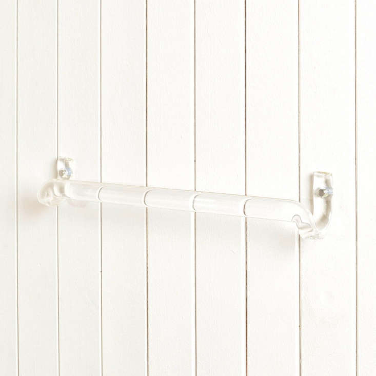 the towel rail is made of borosilicate glass, or lab glass, known for its durab 10