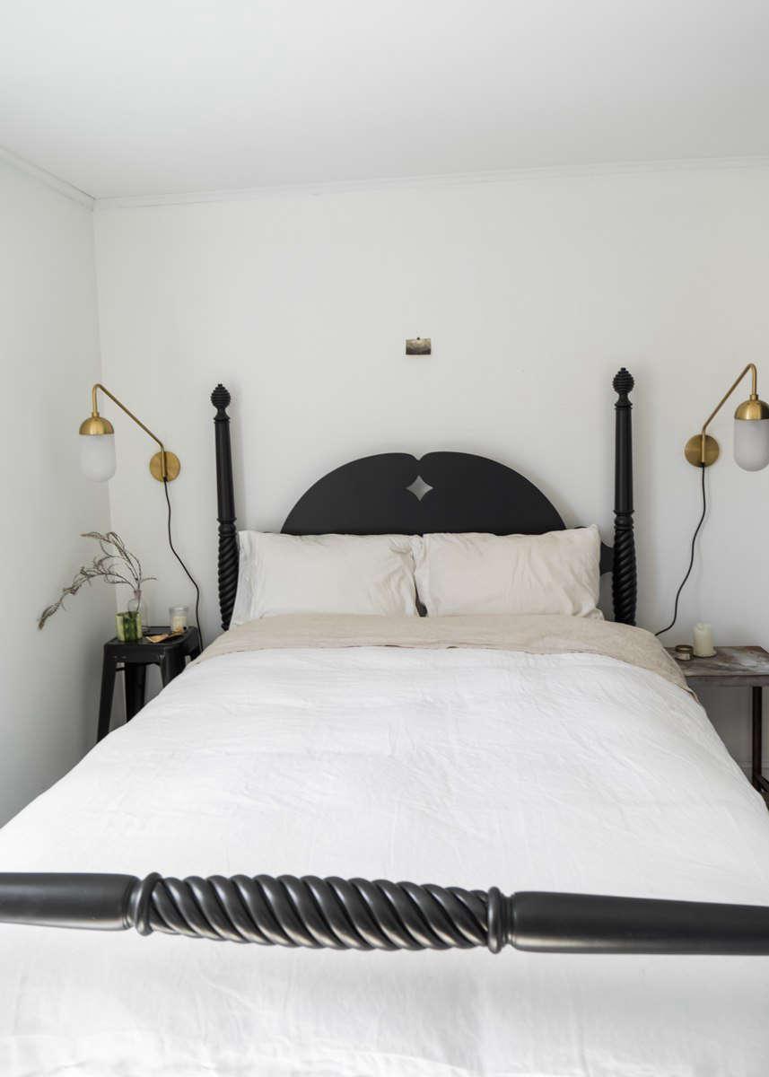 Farmhouse noir in the bedroom.